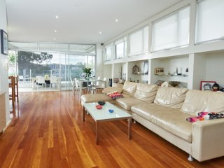 Family Beach House - Ben Bucker Point, Bondi