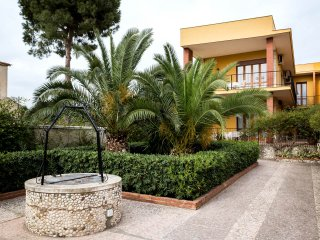 VILLA MILENA near the beach & with wi-fi, Siracusa