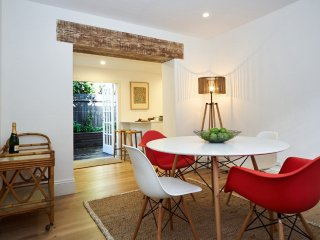 Super Cute City Cottage, Paddington