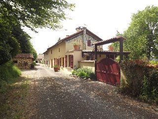 La Tardoire - charming, renovated farmhouse, Lesterps