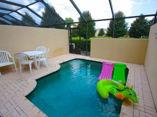 3 Bed 3 Bath Townhome- No Rear Neighbors!, Kissimmee