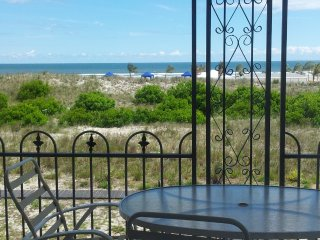 Luxury Oceanfront Condo! Spetacular view!