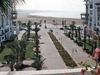 APPARTEMENT PISCINE SUR LA PLAGE AGADIR MAROC, Agadir