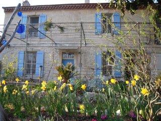 House of XVIII th. C., Mas provençal du XVIII s., Arles
