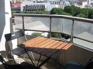 Studio meuble pres de Montmartre avec belle vue