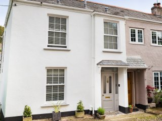 The Corner House, a 5 Star cottage near Falmouth, Flushing