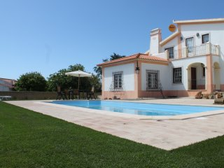 Great Villa with private pool in Sintra.