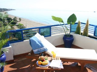 Exclusive Penthouse in first line Beach 375, Marbella