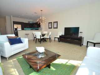 BTSVV SBV33-HEATED POOL+HOT TUB+GATED COMMUNITY+1 MILE TO BEACH+3 BEDROOM