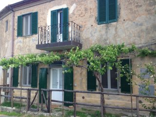 A Tuscan retreat, stunning views, beach at 10km, Montiano