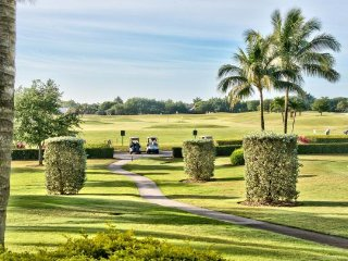 Vicenza 1st Floor Golf Condo at the Lely Resort