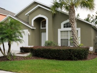Terra Verde Resort /Disney 4 Bed  Pool/Spa Home, Kissimmee
