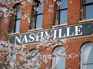 Amazing Condo 2 Bed 2 Bath with 6 Sleep, Nashville
