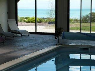 metairie du vauhariot avec vue mer et piscine, Cancale