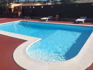 VILLA PEPI, PRIVATE POOL, GARDEN, BBQ, FREE WiFi, Vidreres