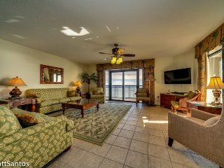 Huge Direct Oceanfront 5 bedroom Penthouse at South Wind Tower!, North Myrtle Beach