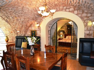 The Guesthouse VIlla Luxurious House, Safed