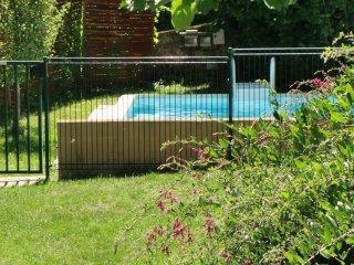 Maison de Pays avec Piscine Privée et Pêche, Aurillac