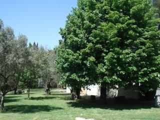 villa 5 mn d'avignon, Avignon