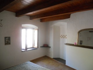 Trekking cottage apartment, Sardinia, sleeps 4, air con, wood burner, beaches.