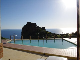 Summer house, Sardinia, sea view, pool. beaches., Nebida