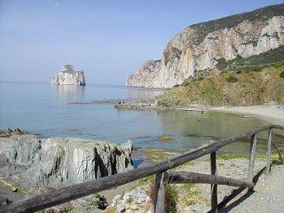 ai piedi della montagna a pochi km dal mare, Iglesias