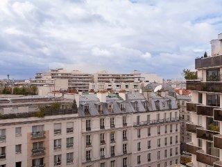 PROCHE BASTILLE AVEC VUE TOUT PARIS
