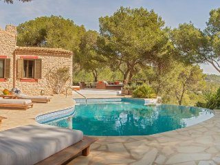 Villa with views,pool Sant Jos, Sant Jordi