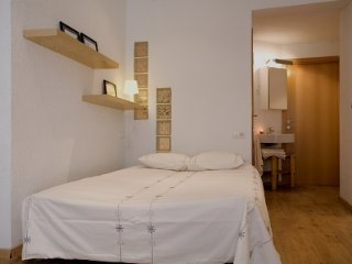 Cozy Studio in Gracia Neighborhood, Barcellona