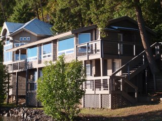 Windchime Vista - Amazing Lake Coeur d'Alene Retreat!