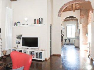 casa storica con affacci sul fiume Arno