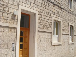Triple room east near the old town Trogir-sleep 3