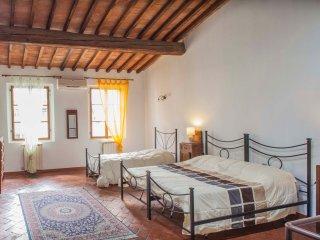 Appartamento GIOVANNI a 100m da Ponte Vecchio e Galleria Uffizi