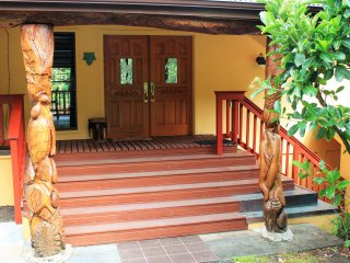 Hale Akaha - 4 bedroom estate on 2 tropical acres, Pahoa