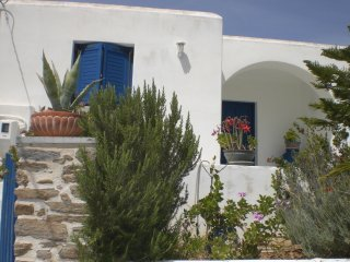 New listing! Lovely House close to the Beaches, Parasporos