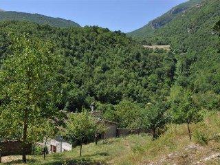 Homeholidays La Quiete, casolare in pietra Assisi, Scheggino