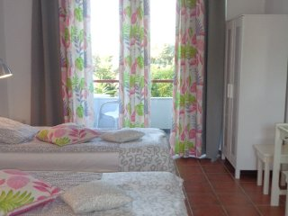 Olivias Rooms-close to it all- sleeps 2-12 guests, Faliraki