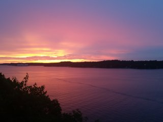2Bed/2Bath With Unbelievable Sunset!!!, Lake Ozark