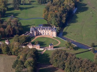 Chateau 1 heure de Paris , 13 chambres