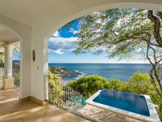 Casa Ensueno - Best View and Best Value, Tola
