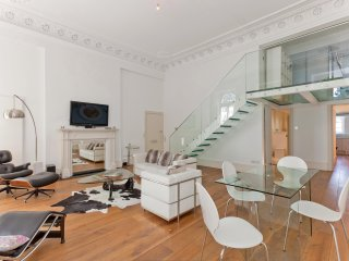 Gorgeous and Modern 2 Bed Apartment in Paddington, Londen
