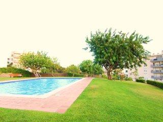 MARBLAU :Con terraza, jardín y piscina comunitaria, Sitges
