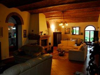 Montalcino - Villa con piscina e giardino privati