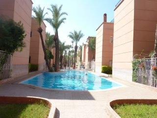 riad dans residence verdoyante 3 chambres  piscine, Marrakech