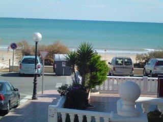 Cso-1, Ferienhaus direkt am Strand mit WiFi, Guardamar del Segura