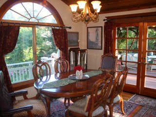Elegant Wine Country Home - Private 2 acre Orchard, Sebastopol