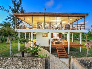 Magical Ocean front Villa 'Senang Masari', Port Vila