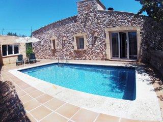 Apartamento en casa Rústica con piscina