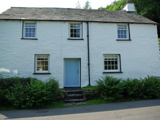TOWN END FARMHOUSE, Finsthwaite, Nr Newby Bridge, South Lakes