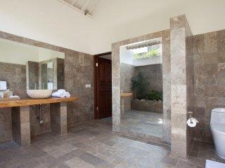 3 Bedroom Villa Alma Legian 10Min to Kuta Beach
